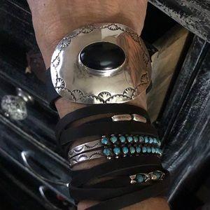 Jewelry - Vintage SS/onyx Native American cuff